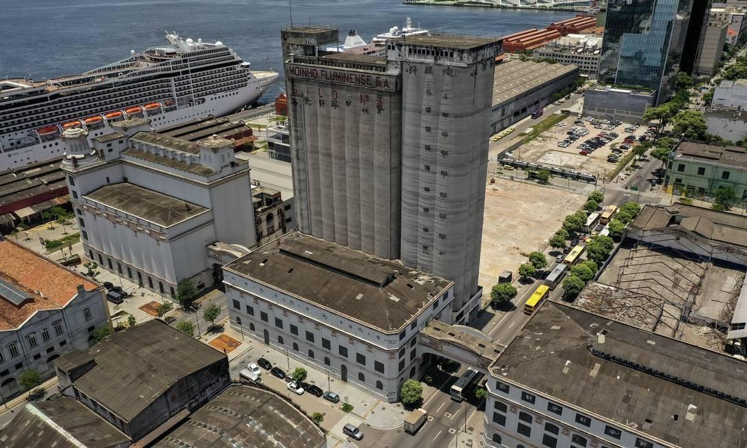 Imóvel onde funcionou a fábrica do Moinho Fluminense, inaugurada em 1887, foi vendida para grupo paulista em julho do ano passado Foto: Brenno Carvalho / Agência O Globo
