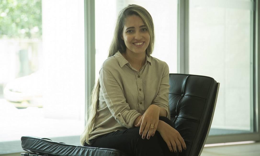 Danielle Senna, formada em História, desistiu das aulas pela baixa remuneração. Foto: Gabriel Monteiro / Agência O Globo