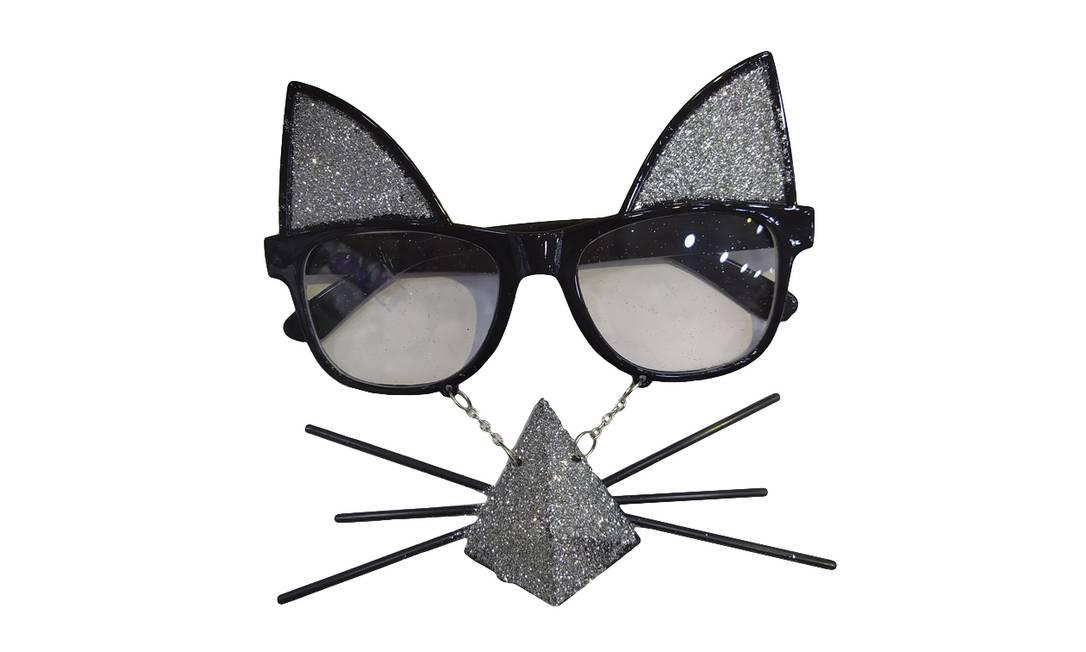 Óculos de gato: R$ 10 Onde encontrar: Mito dos Artesanatos, Rua Senhor dos Passos, 87 Foto: Ana Clara Veloso / Agência O Globo