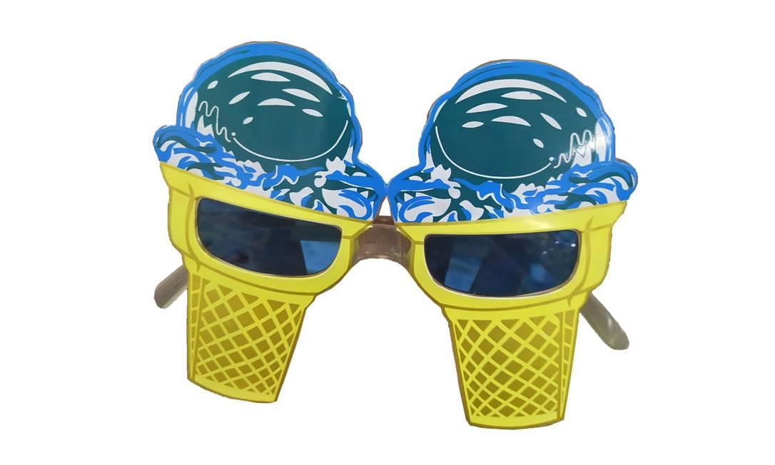 Óculos sorvete: R$ 8,90 Onde encontrar: Saara Festas, Rua da Alfândega, 272 Foto: Ana Clara Veloso / Agência O Globo