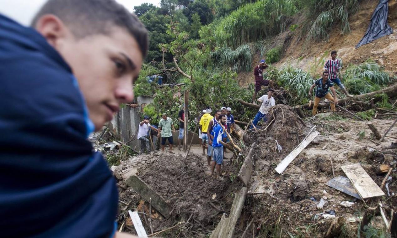 Desabamento em Ibirité matou, pelo menos, três pessoas – uma quarta ainda é tratada como desaparecida Foto: Alexandre Mota / O TEMPO / via Agência O Globo