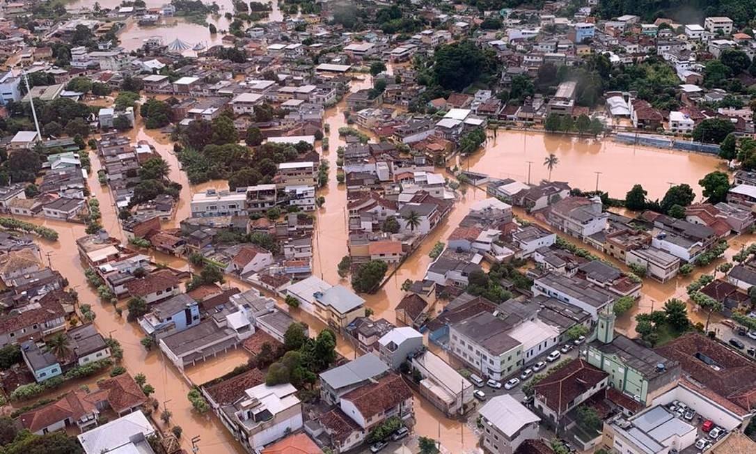Governador Wilson Witzel sobrevoou áreas atingidas por chuvas no Norte e Nordeste do estado do Rio Foto: Twitter @wilsonwitzel / Reprodução