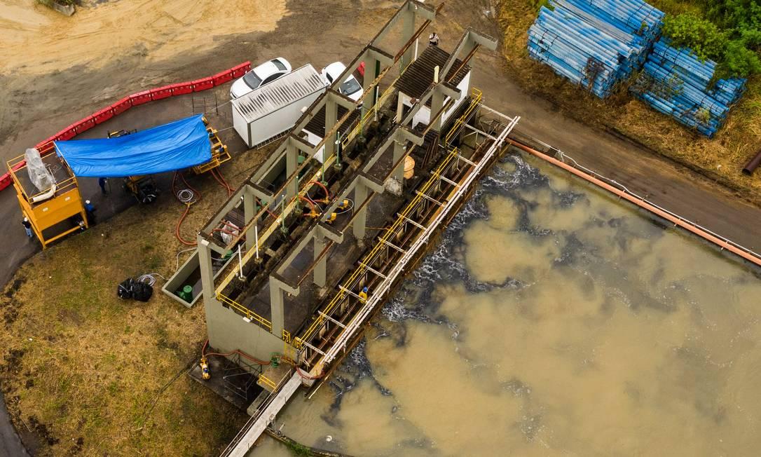 Novo sistema para o tratamento da água da Estação de Tratamento de Água em Nova Iguaçu Foto: BRENNO CARVALHO / Agência O Globo