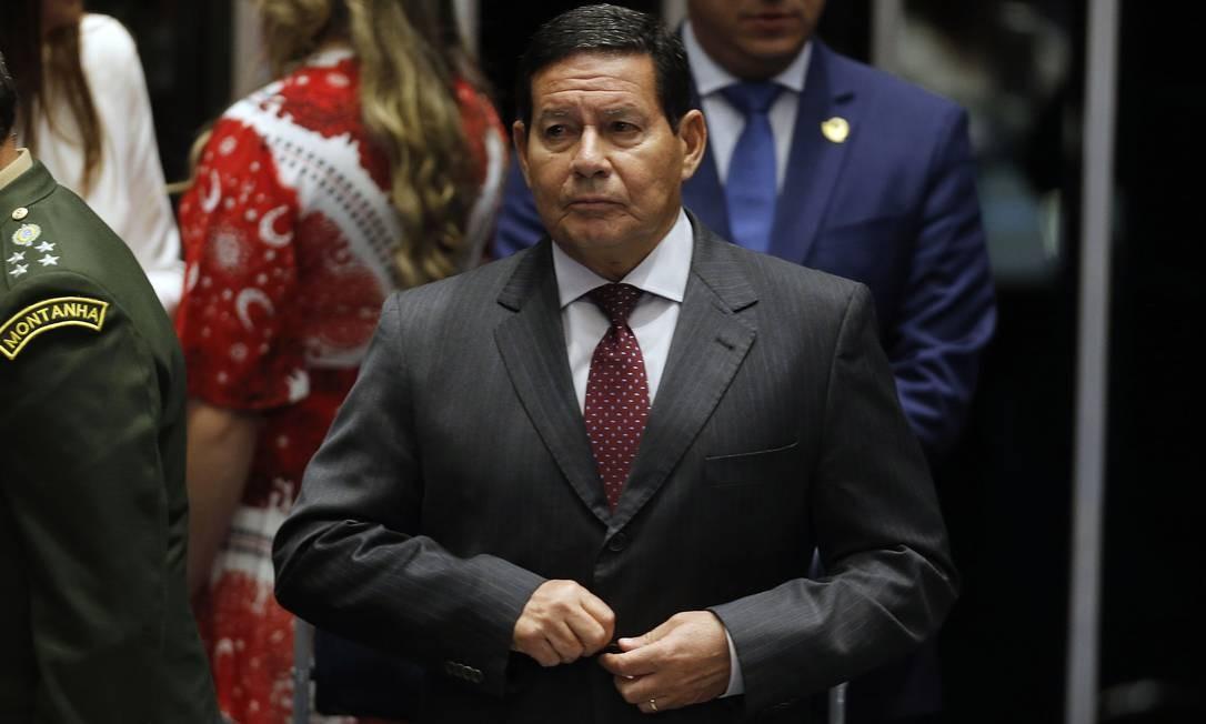 O presidente em exercício Hamilton Mourão Foto: Jorge William / Agência O Globo / 12-08-2019
