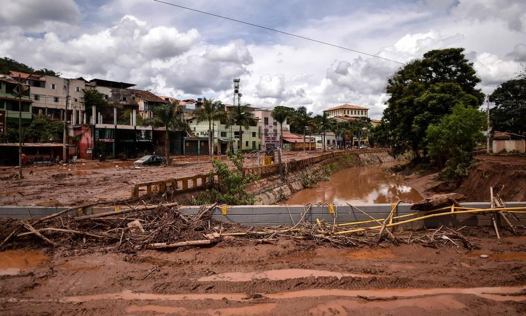 Rio das Velhas em Belo Horizonte transbordou após início de temporais em Minas Gerais Foto: DOUGLAS MAGNO / AFP