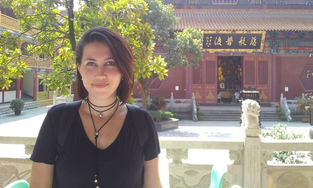Indira Mara Santos está entre os brasileiros que moram em Wuhan Foto: Reprodução