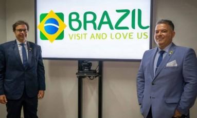 O presidente da Embratur Gilson Machado e o diretor de marketing Osvaldo Matos Foto: Divulgação Embratur
