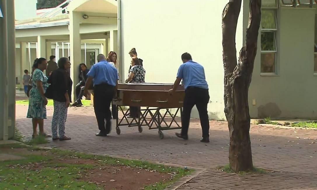 Corpos de mortos por causa da chuva são velados em BH Foto: Reprodução/TV Globo