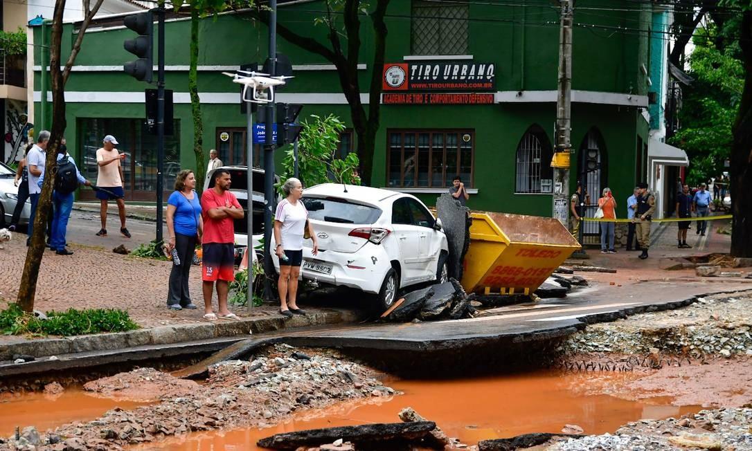DEPOIS: Rua Marília Dirceu, no entorno da Praça João Luiz Alves, no bairro de Lourdes Foto: Ramon Ricardo / Futura Press