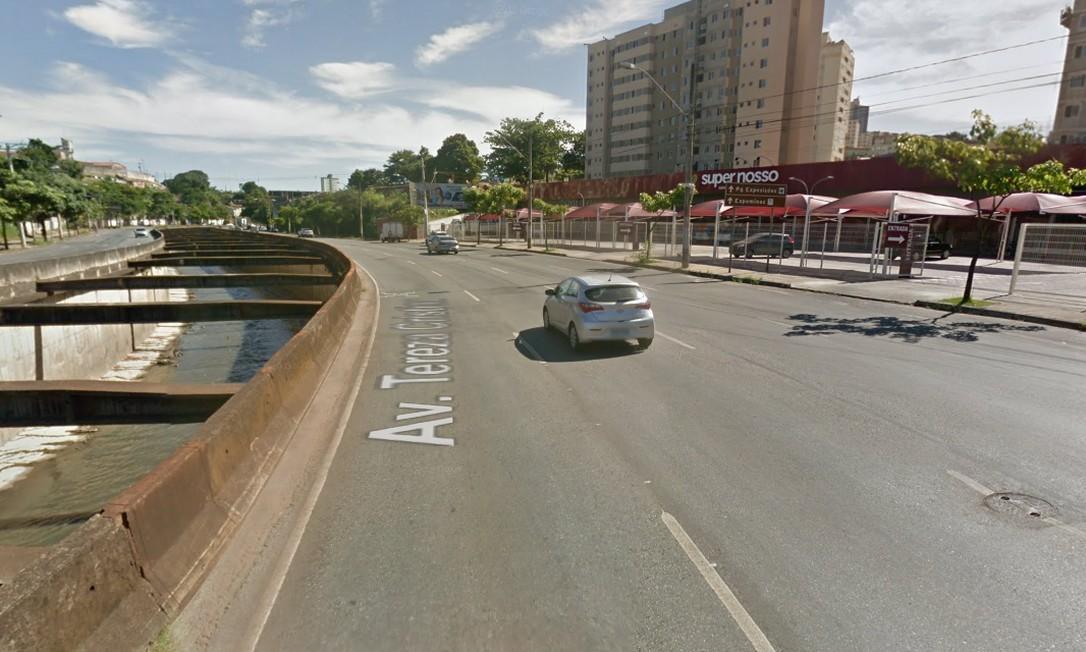 ANTES: Avenida Tereza Cristina na altura do mercado Super Nosso, no bairro Salgado Filho Foto: Reprodução / Google Street View
