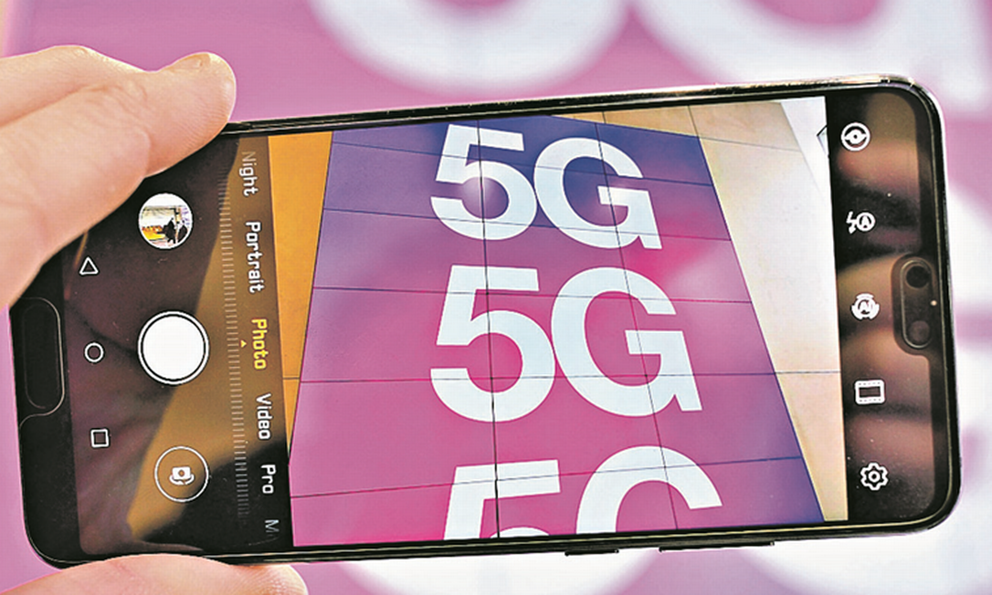 Rede 5G está no centro de uma disputa entre EUA e China para a implementação global da tecnologia Foto: Justin Tallis / AFP