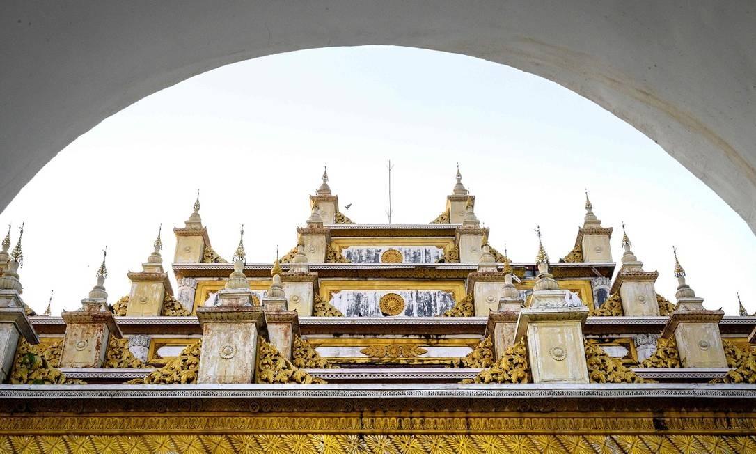 Outra importante construção budista em Mandalay é o monastério Atumashi, de 1857, construído durante o reinado de Mindon, o mesmo que encomendou o pagode Sandamuni Foto: Mladen Antonov / AFP
