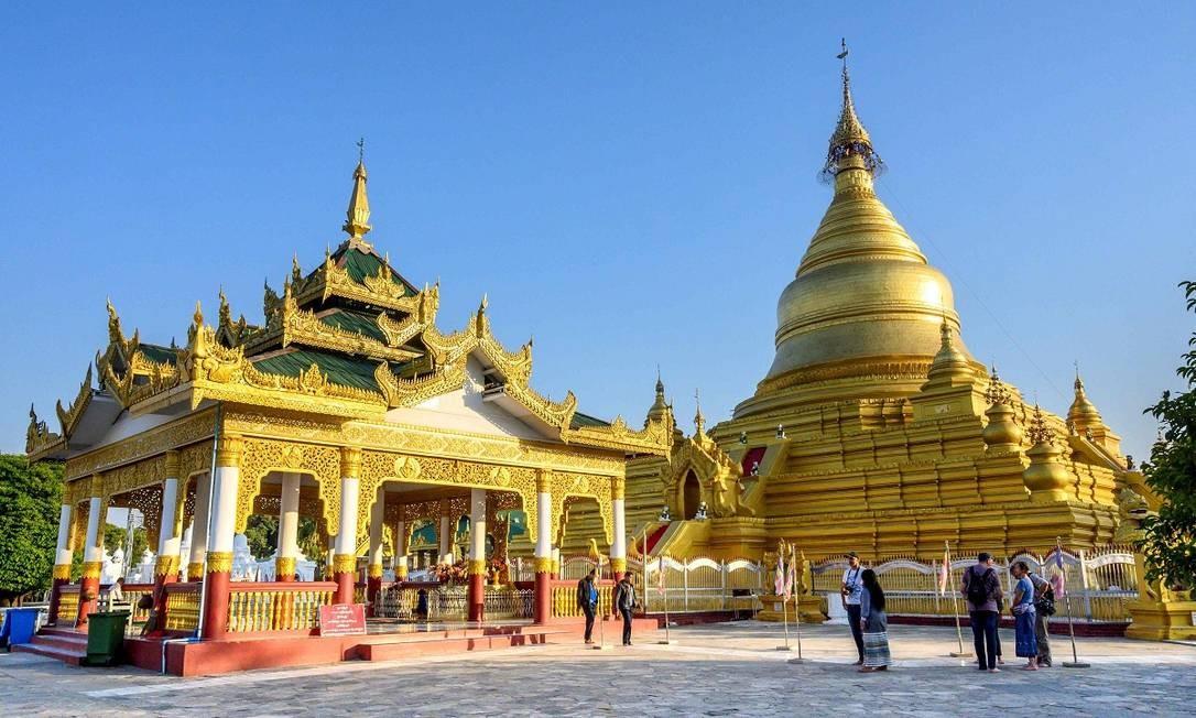 O pagode Kuthodaw é um dos lugares mais visitados de Mandalay Foto: Mladen Antonov / AFP