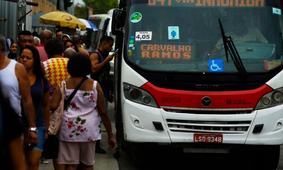 Linhas da Zona Oeste são as com maiores reclamações Foto: Antonio Scorza / Agência O GLOBO