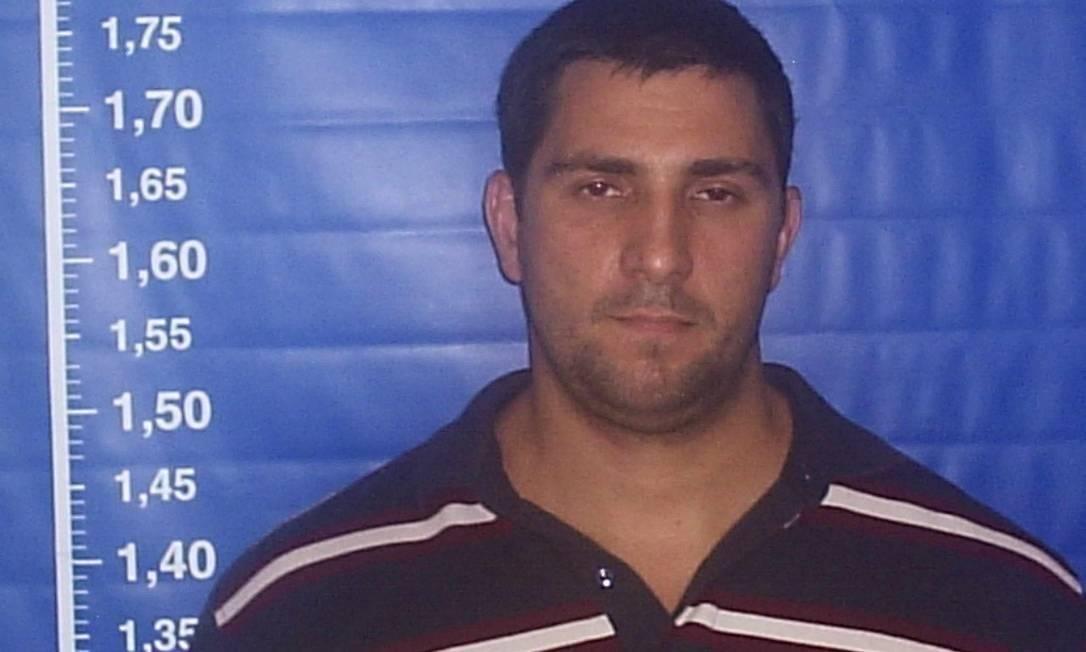 'Capitão Adriano' era um dos criminosos mais procurados pela polícia do Rio; ele estava foragido desde o início do ano passado Foto: Reprodução
