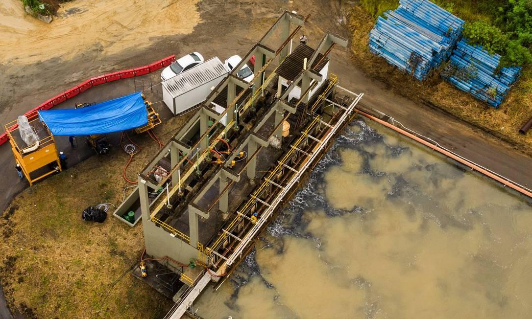 Estação de Tratamento do Guandu: Cedae garante que a água distribuída atende a todos os padrões de potabilidade do Ministério da Saúde Foto: Brenno Carvalho / Agência O Globo
