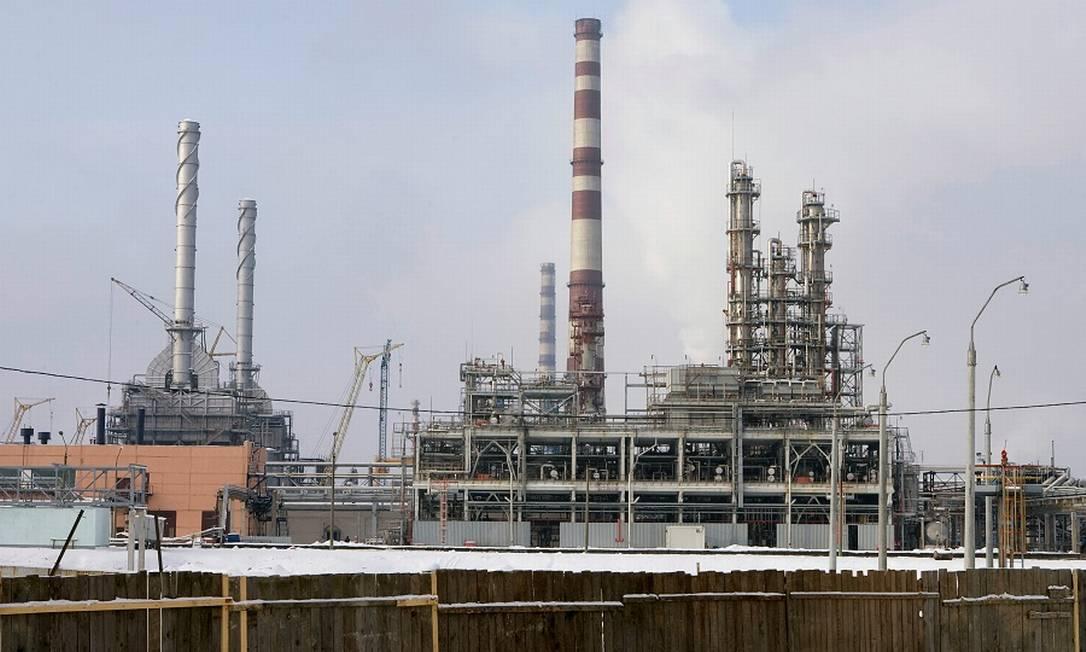 Refinaria: mercado de petróleo ameaçado pelo coronavírus. Foto: Vasily Fedosenko / REUTERS