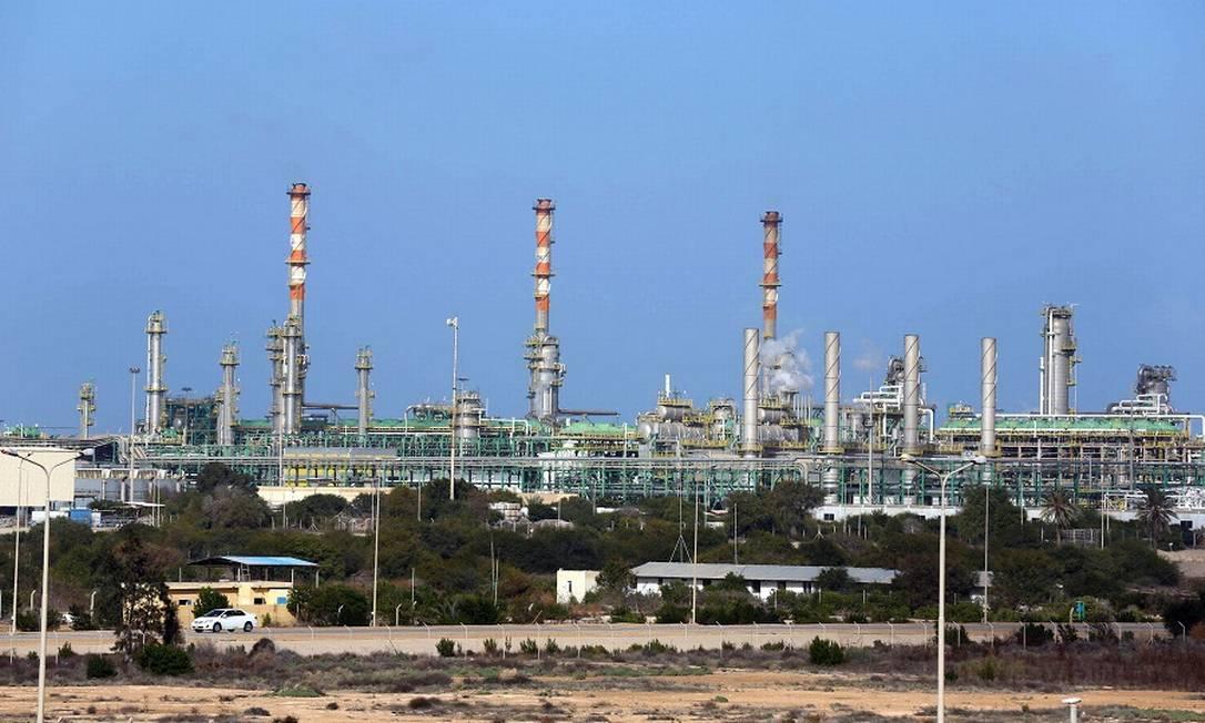 Petróleo: queda na demanda na China afeta mercado internacional. Foto: MAHMUD TURKIA / AFP
