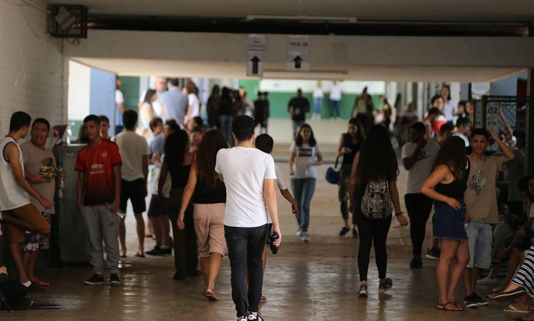 Alunos durante o Enem, em Brasília Foto: Jorge William / Agência O Globo