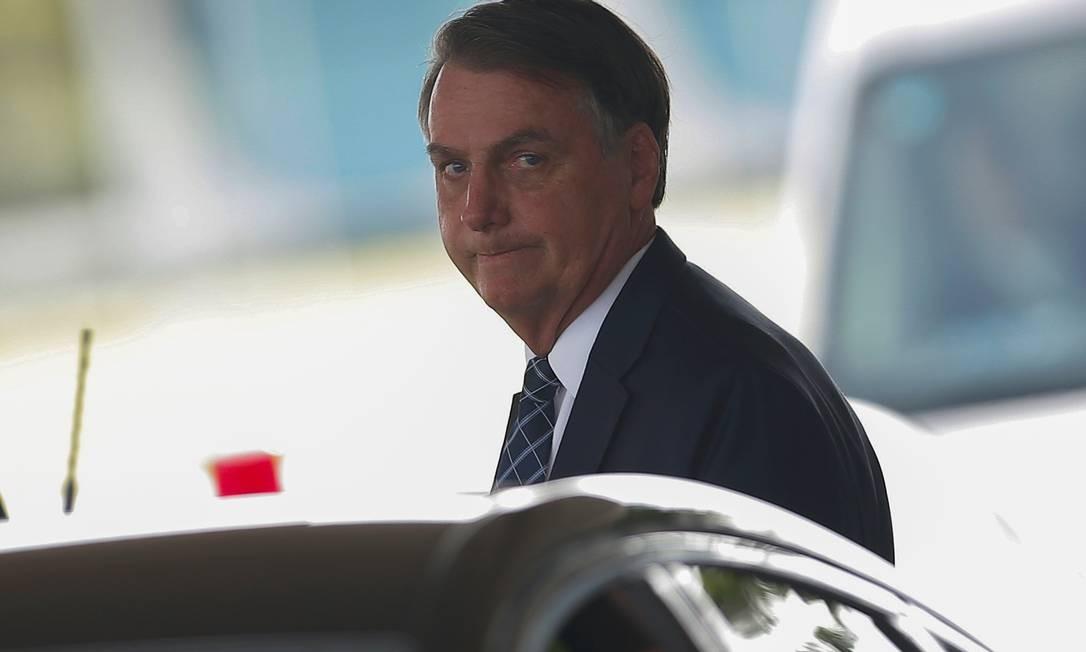 O presidente Jair Bolsonaro ao deixar o Palácio da Alvorada Foto: Adriano Machado / Reuters