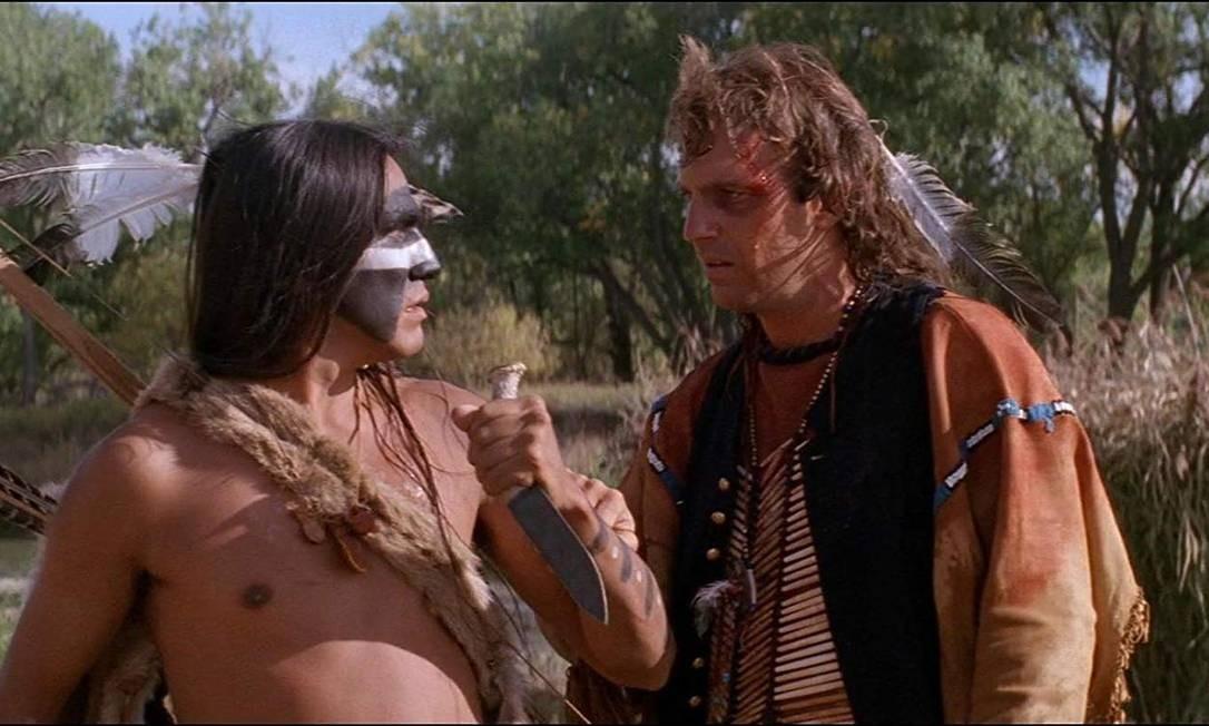 """""""Dança com lobos"""" (1990): O filme, que faturou sete dos 12 prêmios indicados, marcou a carreira do protagonista Kevin Costner, ao disputar a premiação de Melhor Ator. Na trama, ele interpreta John Dunbar, um soldado que se aproxima dos índios Sioux e vira amigo deles. Foto: Divulgação"""