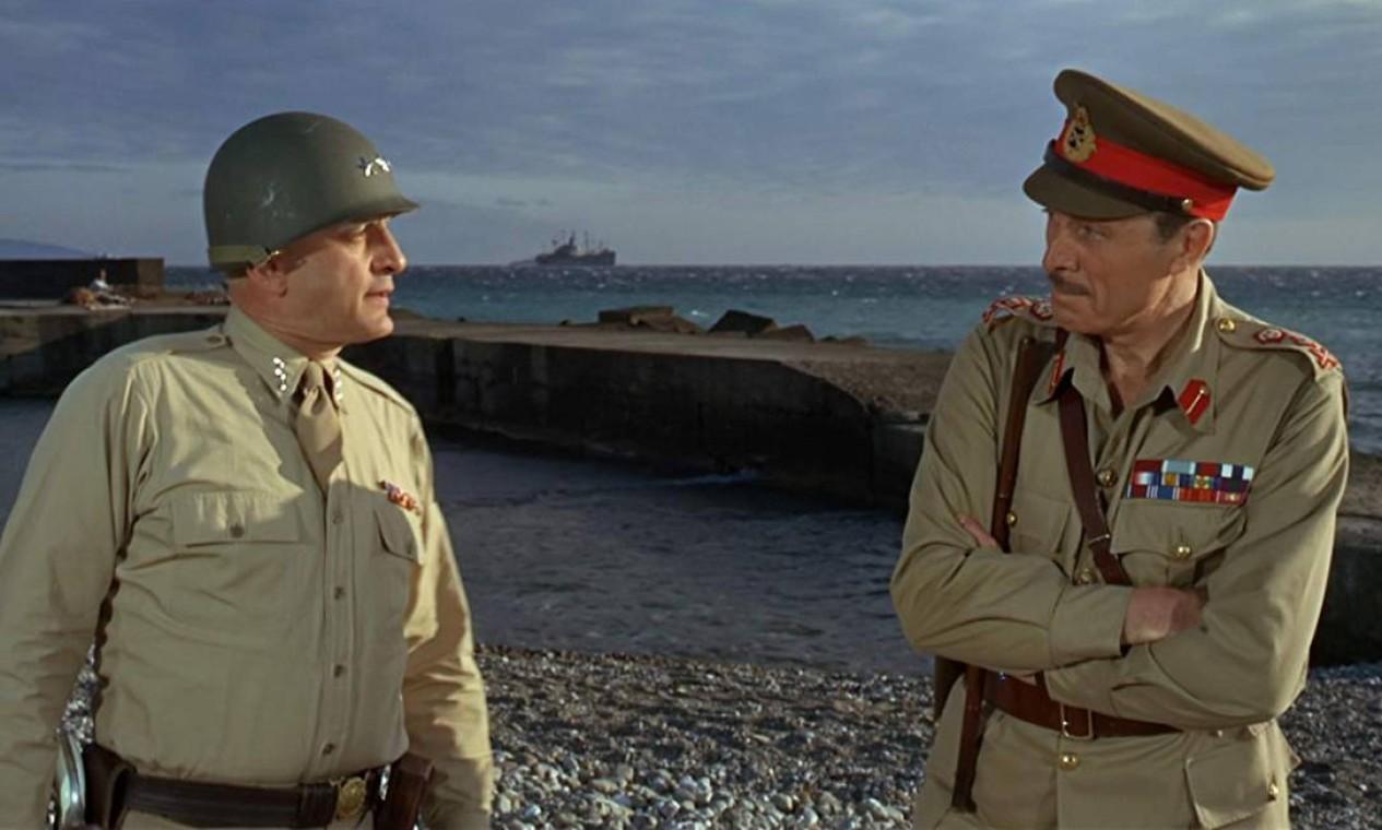"""""""Patton, Rebelde ou Herói?"""" (1970): A biografia do general George S. Patton, interpretada por George C. Scott foi tão bem feita que o protagonista ganhou o Oscar de Melhor Ator. Mas uma coisa chamou a atenção: Scott se recusou a aceitar o prêmio porque ele não se sentia competindo com os outros atores. Quem recebeu a estatueta foi o produtor Frank McCarthy, que a devolveu para a Academia no dia seguinte. O filme, no entanto, venceu e aceitou outros seis prêmios. Foto: Divulgação"""