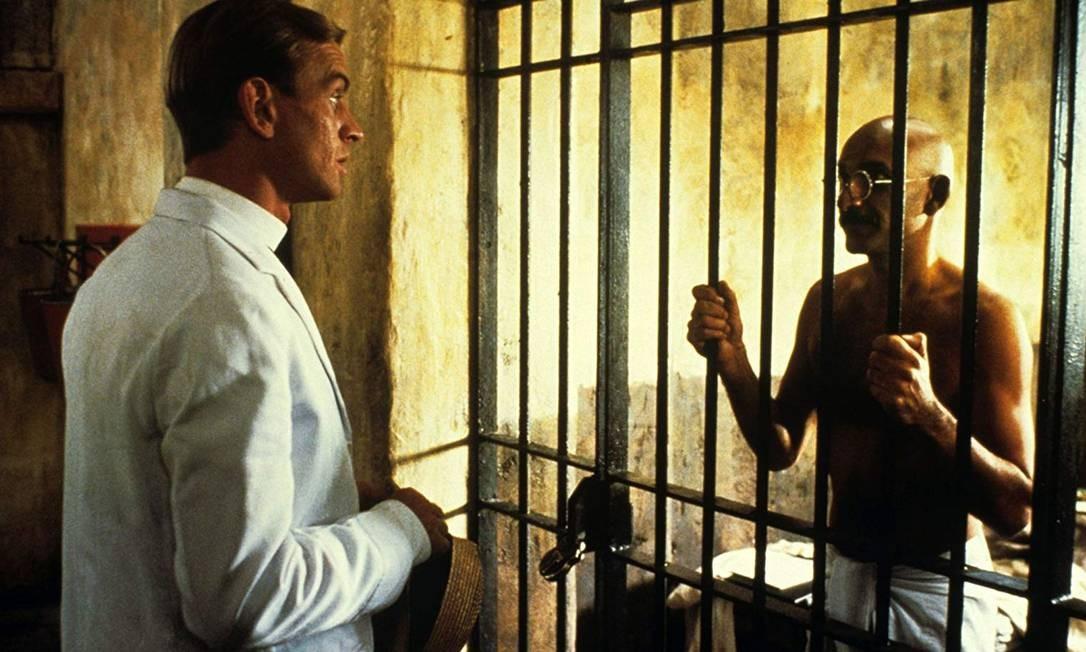 """""""Gandhi"""" (1982): Foi justamente interpretando o líder indiano Mohandas Gandhi que Ben Kingsley foi indicado e faturou seu primeiro e único Oscar de Melhor Ator. No total, a produção faturou oito das 11 nomeações que teve na edição. Foto: Divulgação"""