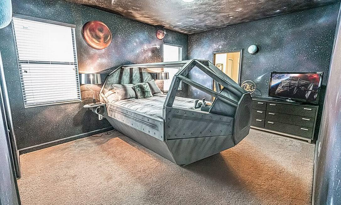 """Um dos quartos da Twelve Parsecs, cuja decoração foi totalmente inspirada nos filmes """"Star Wars"""", na Flórida Foto: Loma Homes / Reprodução"""