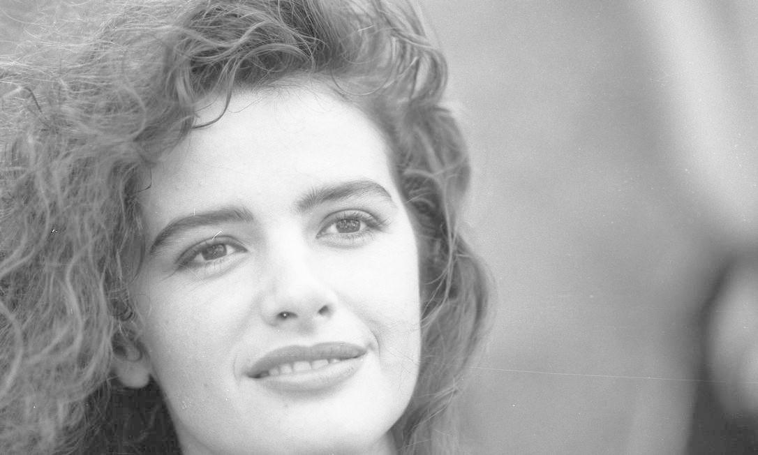 Luma de Oliveira em foto de 23/12/1987, quando era modelo e atriz Foto: Jorge William / Agência O Globo