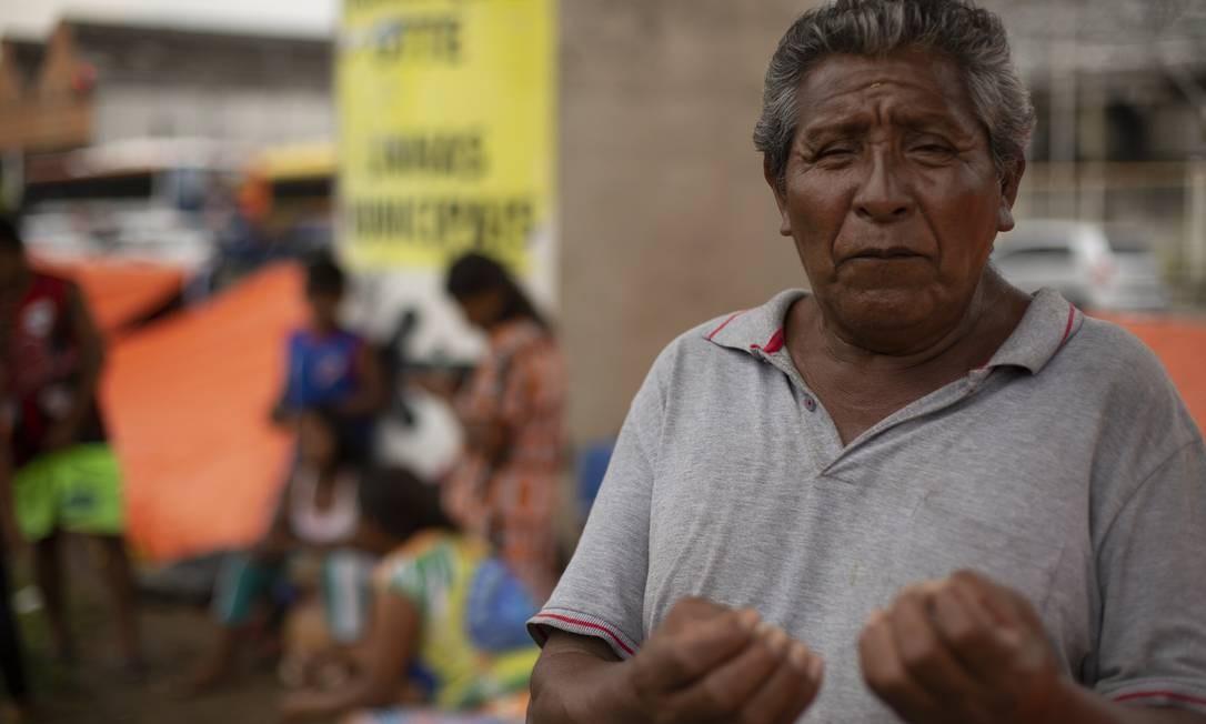 """O cacique Jeronimo Pocatera, que lidera o grupo indígena Warao, que, na língua nativa, significa """"povo da água"""" Foto: Gabriel Monteiro / Agência O Globo"""