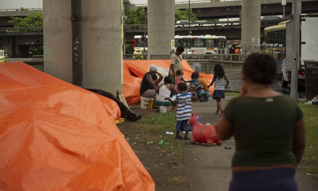 Grupo é formado por 12 adultos e 15 crianças (entre 2 e 18 anos de idade) Foto: Gabriel Monteiro / Agência O Globo
