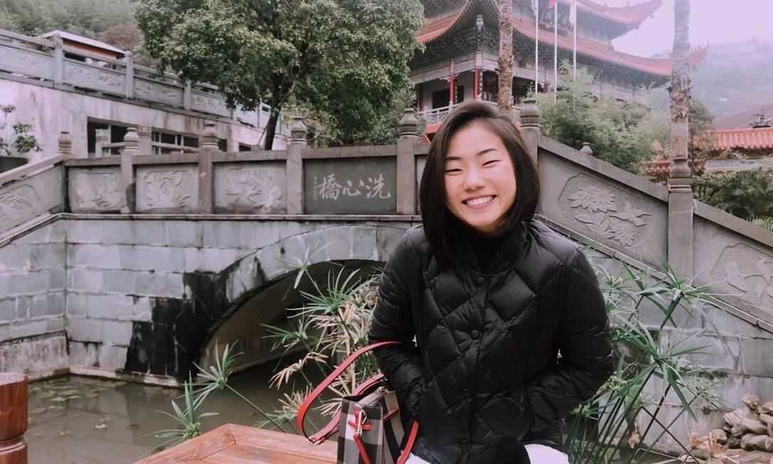 Tainá Wu, de 21 anos, que passava as férias na província de Zhejiang, na China Foto: Arquivo pessoal