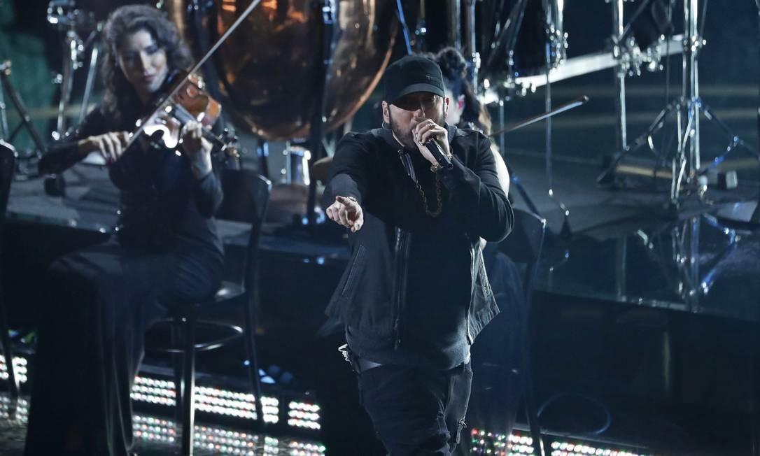 Eminem canta 'Lose yourself' durante a cerimônia do Oscar 2020 Foto: MARIO ANZUONI / REUTERS