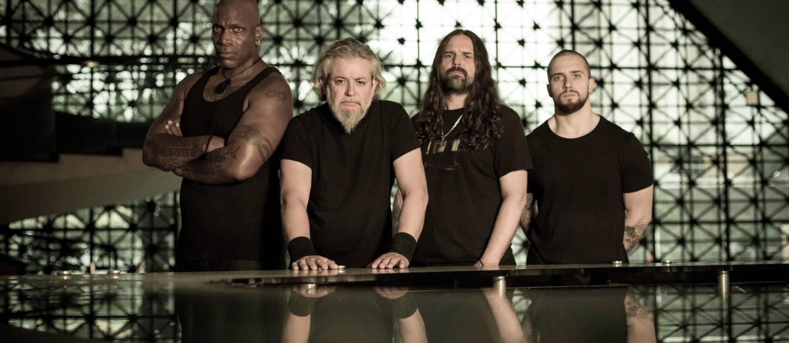 O grupo Sepultura: Derrock Green (à esquerda), Paulo Jr., Andreas Kisser e Eloy Casagrande Foto: Marcos Hermes / Divulgação