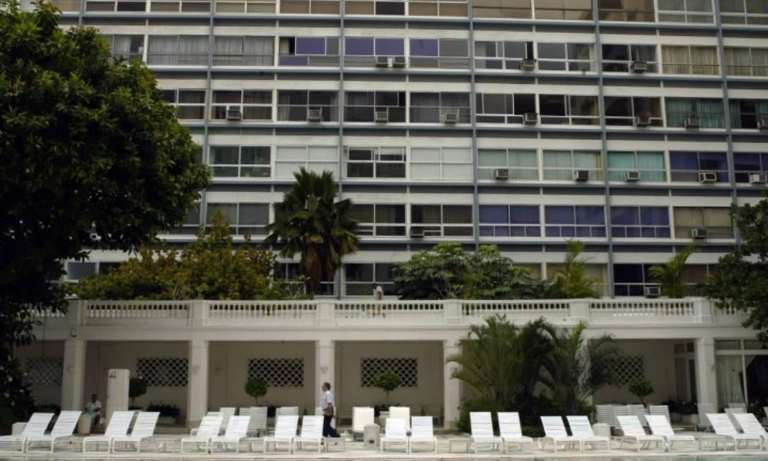 Lateral do Edifício Chopin vista do Copacabana Palace. O prédio é um dos endereços mais nobres do Rio de Janeiro, conhecido por suas luxuosas e animadas festas, principalmente no reveillón. Foto: Mônica Imbuzeiro-Agência O Globo