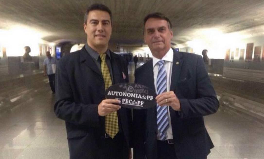Em 2016, Blatt recorreu aos Bolsonaro para obter apoio para a PEC da Autonomia, reivindicação da categoria para que a corporação tenha autonomia total em relação ao governo Foto: Reprodução/Facebook