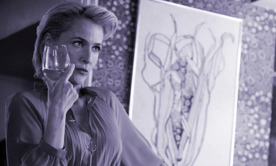 A atriz Gillian Anderson em cena da segunda temporada da série 'Sex Education' Foto: Reprodução