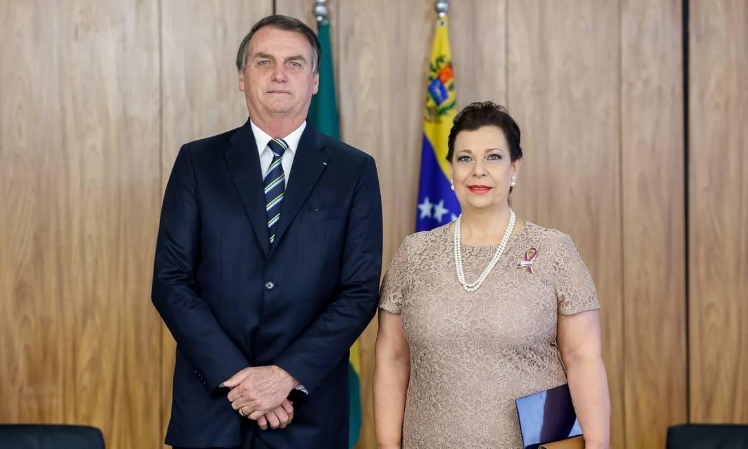 Bolsonaro oficializa María Teresa Belandria como embaixadora venezuelana no Brasil Foto: Carolina Antunes/Presidência
