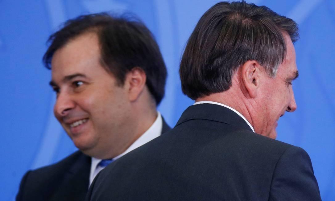 Rodrigo Maia e Bolsonaro: presidente da Câmara quer apresentar projetos contra o desmatamento em visita ao Parlamento Europeu Foto: ADRIANO MACHADO/REUTERS