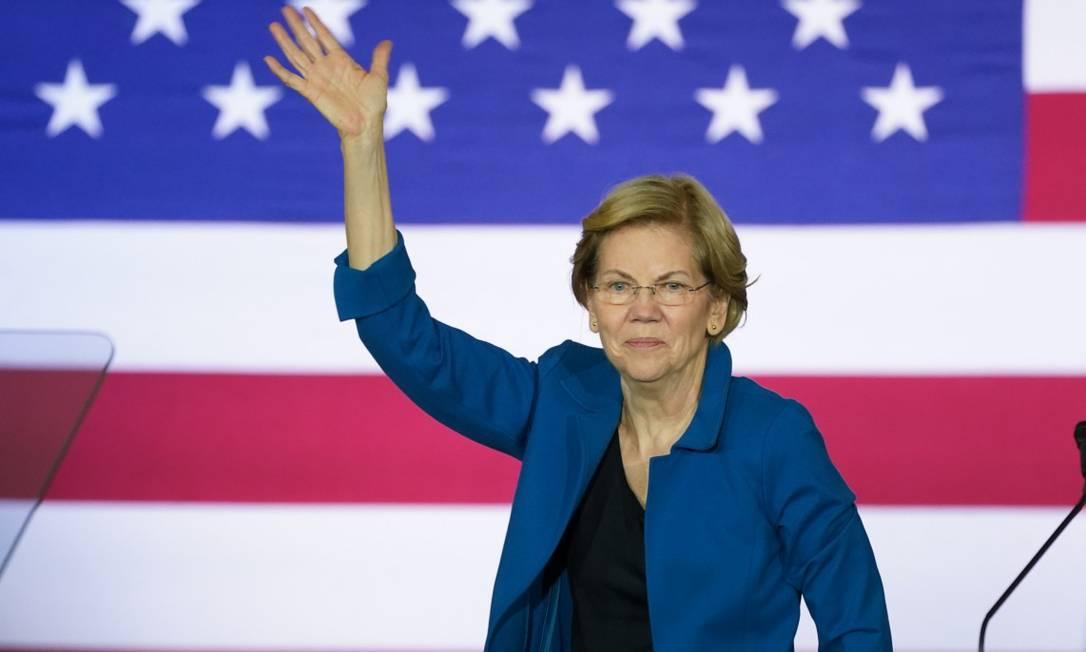 A senadora Elizabeth Warren durante seu evento de campanha em New Hampshire Foto: KEVIN LAMARQUE / REUTERS