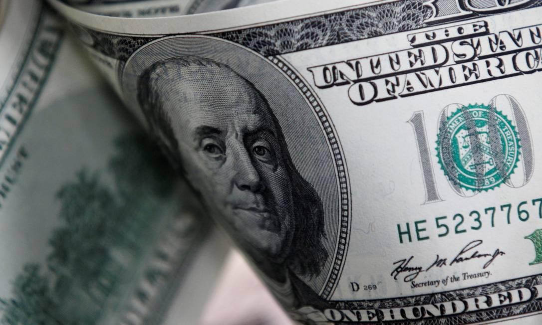 Analistas avaliam que cotação do dólar pode chegar a até R$ 4,45 Foto: Lee Jae Won / Reuters