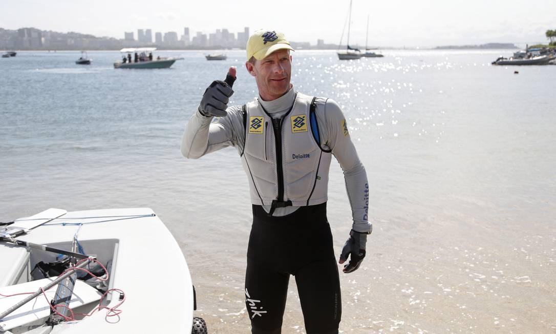 Robert Scheidt se tornou o brasileiro com maior número de participações em Jogos Olímpicos Foto: Márcio Alves / Agência O Globo