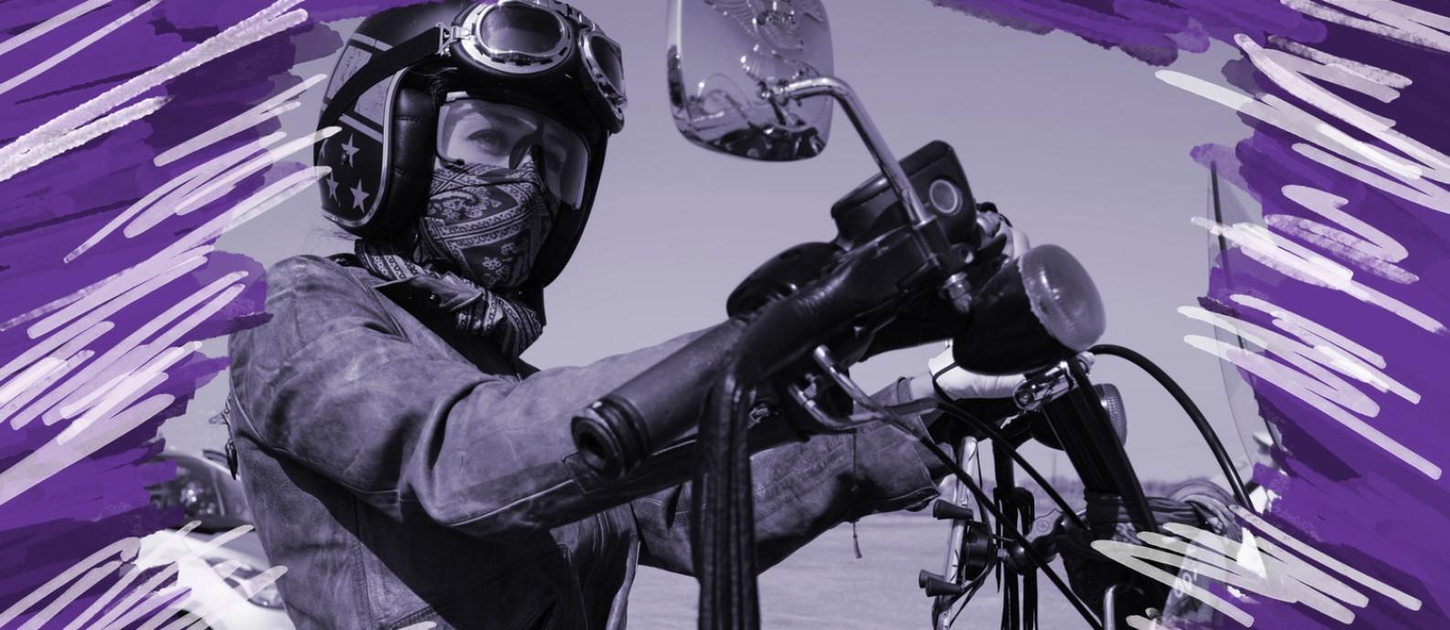Sarah Abou-Saleh durante o primeiro dia do Revezamento Mundial de Mulheres Motociclistas, em Dubai. Mais de 3.500 mulheres de 79 países passaram um ano circum-navegando o mundo em duas rodas Foto: ANNA NIELSEN / NYT