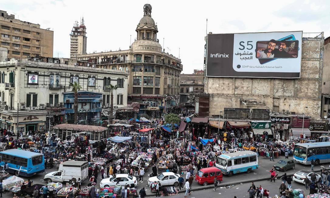 Distrito de al-Atba, em Cairo, capital do Egito: país é o primeiro do continente africano a registrar um caso confirmado de COVID-19, doença provocada pelo novo coronavírus 2019 n-CoV Foto: MOHAMED EL-SHAHED / AFP