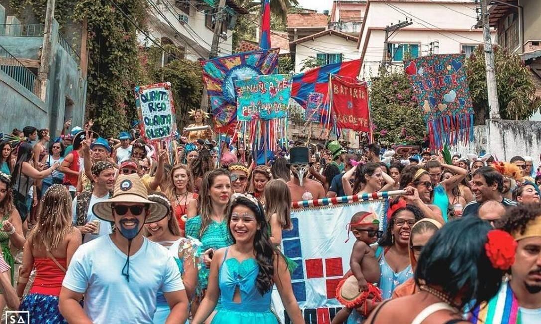 Tradicional em Niterói, Bloquete levará seus estandartes coloridos para as ruas do Vital Brazil Foto: Divulgação