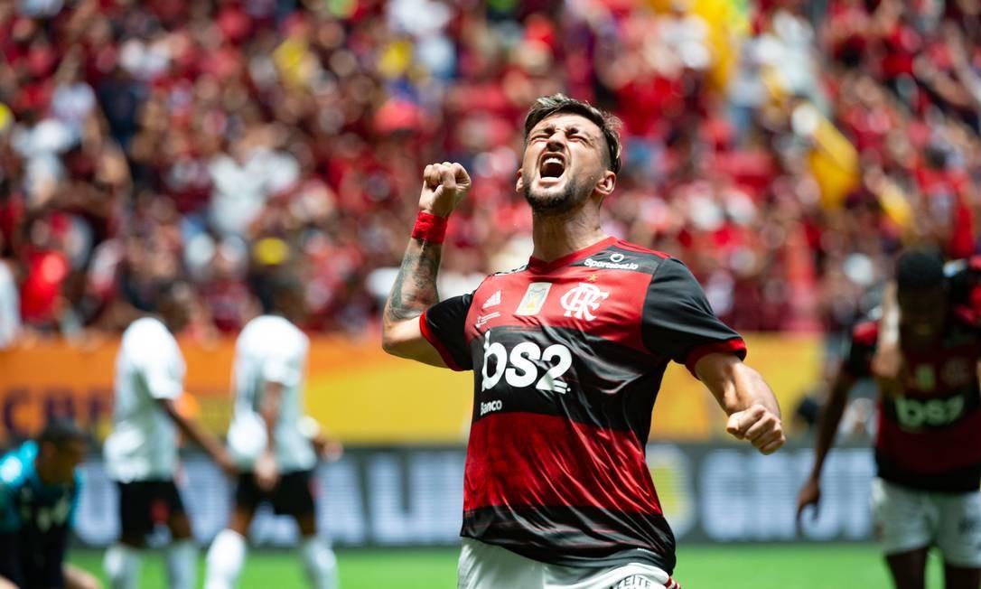 Arrascaeta marcou o terceiro da vitória que rendeu o primeiro título de 2020 Foto: Alexandre Vidal/Flamengo