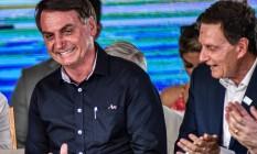 Presidente Jair Bolsonaro e Marcelo Crivella durante cerimônia de inauguração da alça de ligação da Ponte Rio-Niterói à Linha Vermelha Foto: Nayra Halm/Fotoarena / Agência O Globo