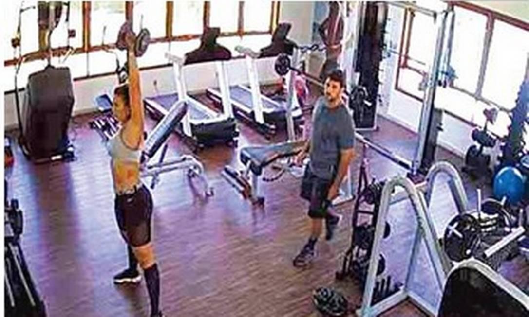 Adriano em uma academia na Bahia Foto: G1/reprodução