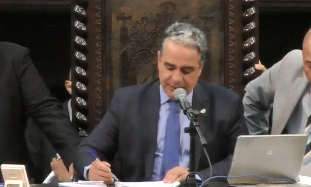 Presidente da Casa, André Ceciliano (PT), durante a sessão desta terça-feira Foto: TV Alerj