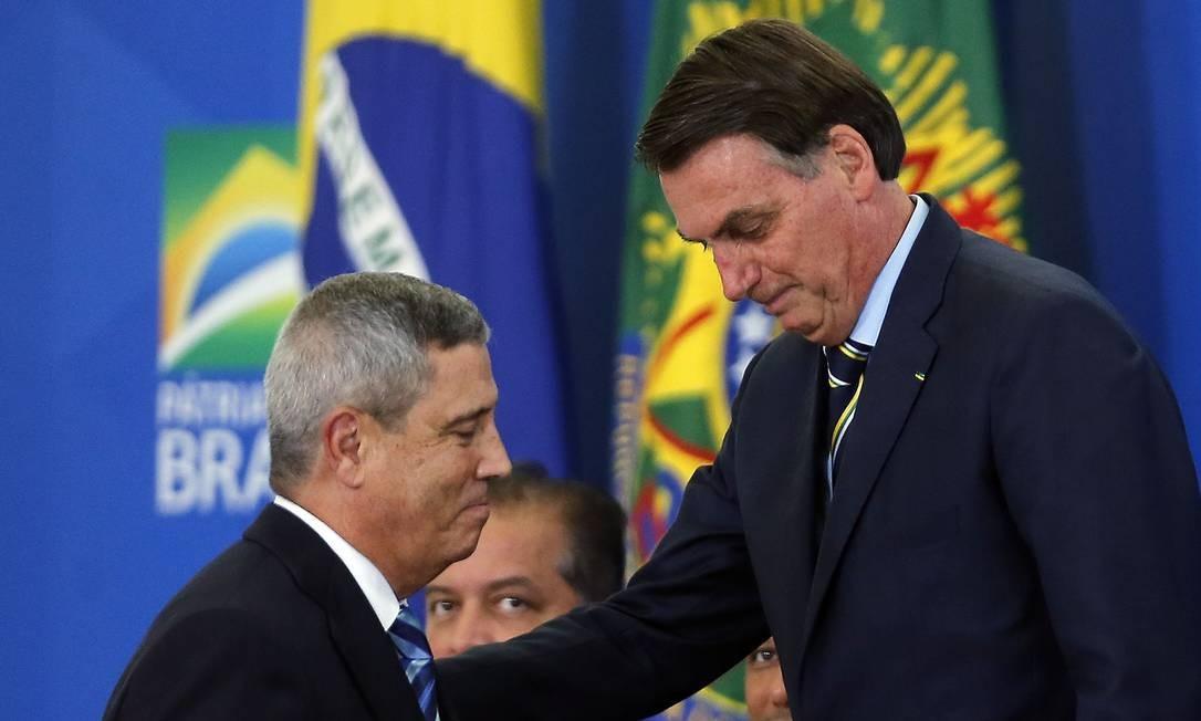 O presidente Jair Bolsonaro e o novo ministro da Casa Civil, general Walter Souza Braga Netto Foto: Jorge William / Agência O Globo